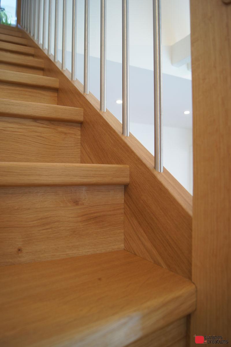 escalier en bois vue des marches