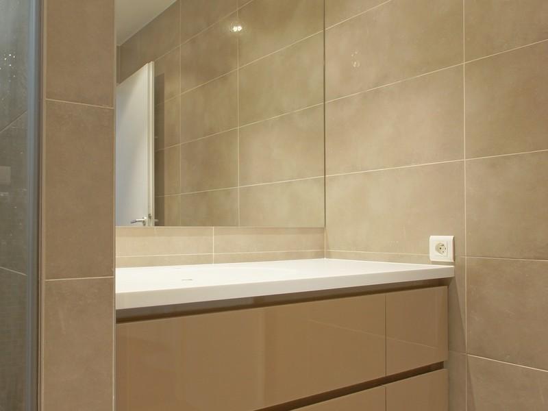 Stratifie haute pression pour salle de bain amazing - Stratifie haute pression ...